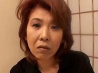 エロすぎる淫乱熟女の特別マッサージ!