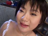 童顔の可愛い若妻