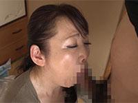 義母のオナニーを目撃してしまい欲情し禁断のセックス